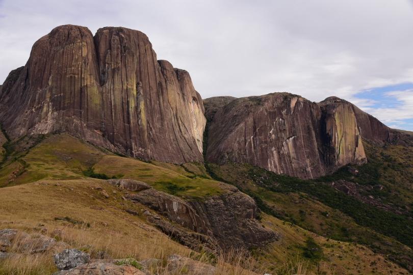 Ein Paradies für Bergsteiger - 600m senkrechter Felsen - nix für uns!
