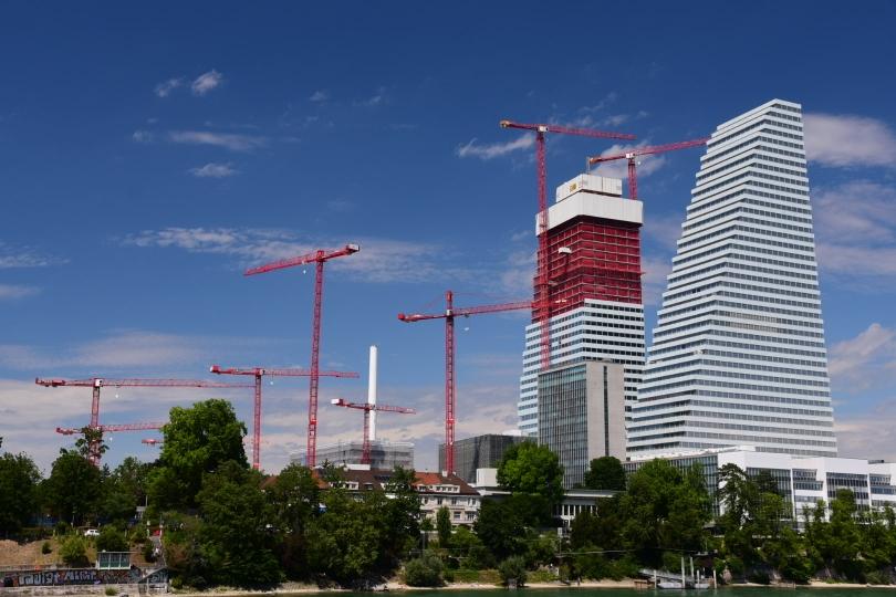 Weil die Schweiz klein, will oder muss man wohl hoch hinaus - der Neubau Roche 2