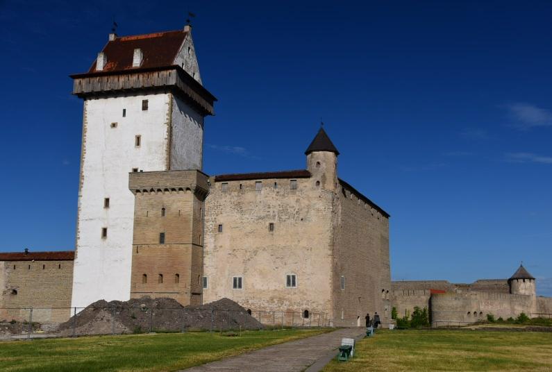 Die Hermannsfeste in Narva ist das einzige, was in diesem Ort sehenswert ist