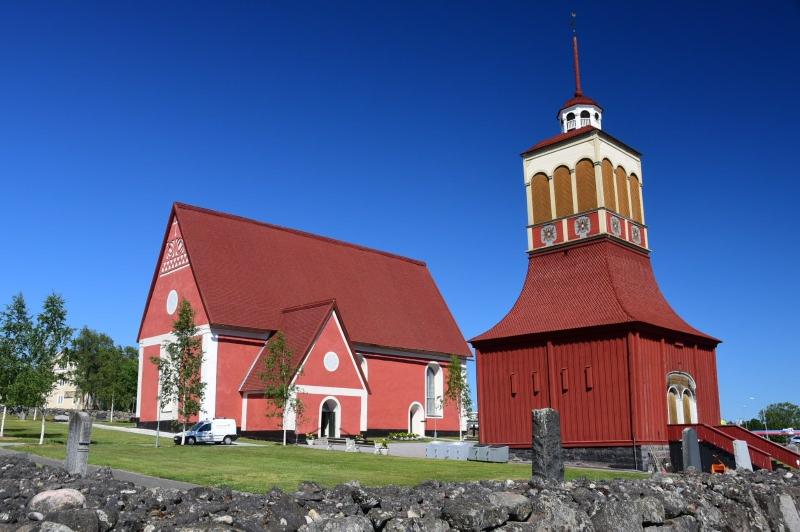 Ach ja, auch in Schweden gibt es Kirchen - und ich bitte mit viel Erfolg immer um gutes Wetter