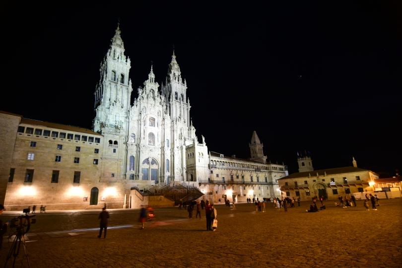 Auf andere Art beeindruckend als die kleine Kirche im Sonnenaufgang: die Kathdrale von Santiago de Compostela - Ziel der vielen Pilger