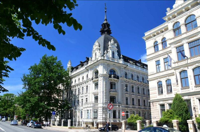 Das Stadtbild wird neben den Holzhäusern von den vielen sehr schön erhaltenen Jugendstilhäusern geprägt