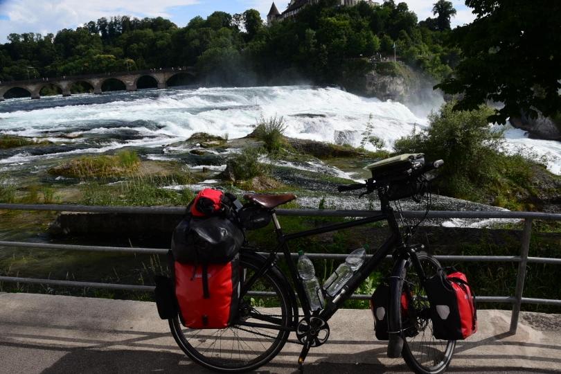 Der zweite Abstecher in die Schweiz, wobei der Grenzverlauf einen ständig die Länder wechseln lässt
