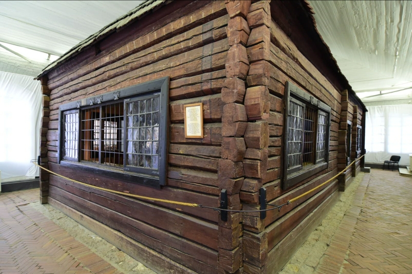 Das erste Haus in St. Petersburg - gebaut in nur drei Tagen