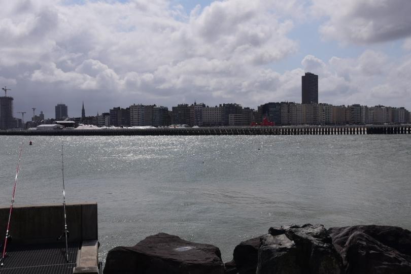 Erster Eindruck von Oostende - so geht es Kilometer um Kilometer weiter und überall wird auf Teufel komm 'raus weiter gebaut