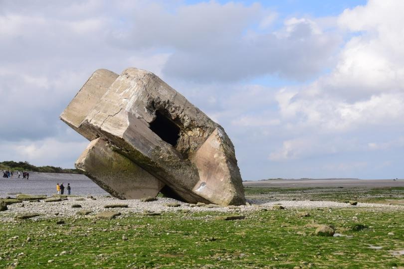 """Die gesamte Küste ist gespickt mit den Bunkern des """"Atlanikwalls"""" aus dem 2. Weltkrieg"""