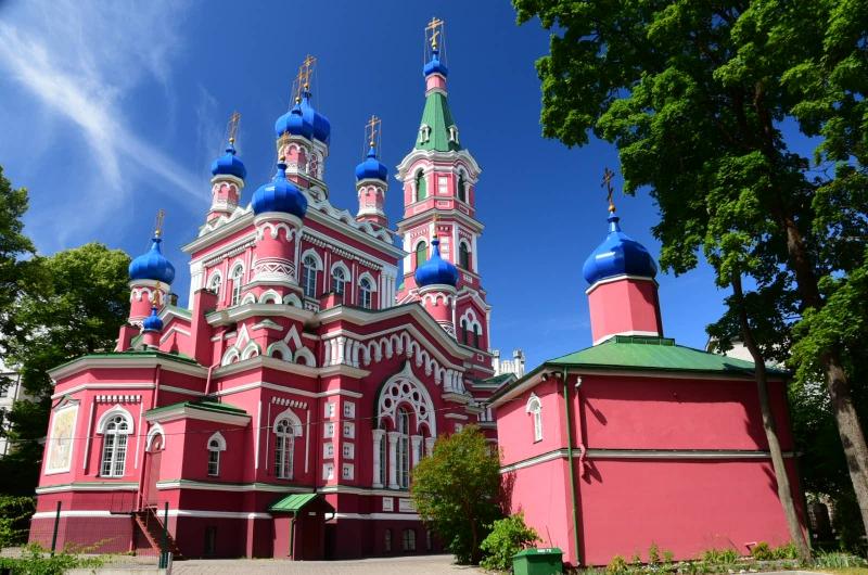 Aber auch der russische Teil der Bevölkerung hat mit seinem Glauben einen Platz in der Gesellschaft