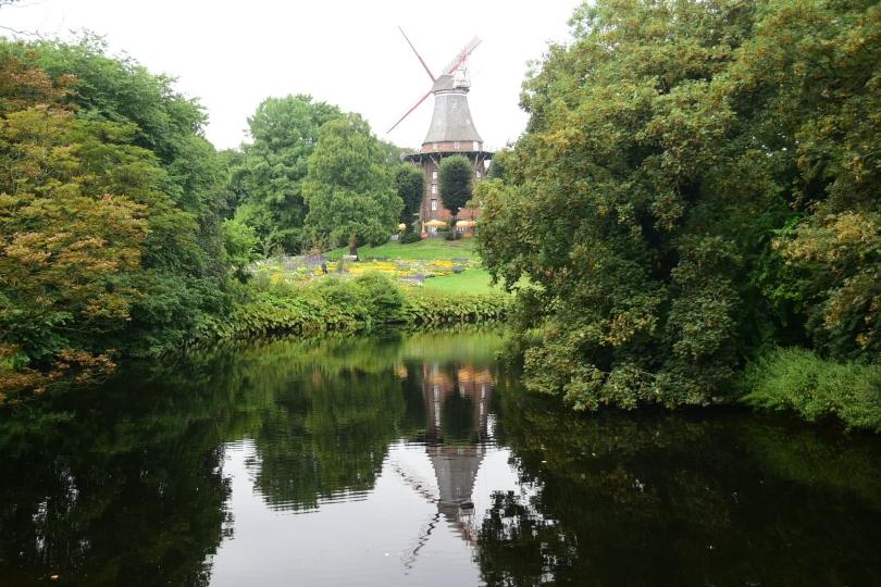 Nicht Holland und doch eine Windmühle - mitten in Bremen