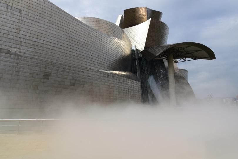 Auch der Nebel ist Teil des Gesamtkunstwerks