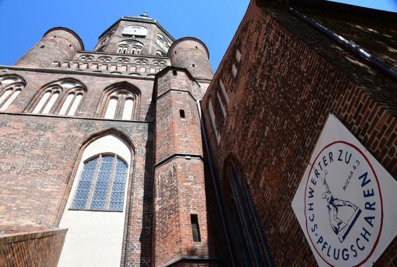 Und gewaltige alte Kirchen gibt es da dann natürlich auch