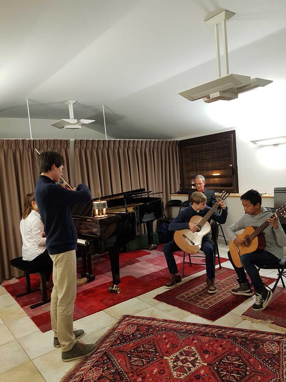 Composition de la classe de formation musicale avec Frédéric