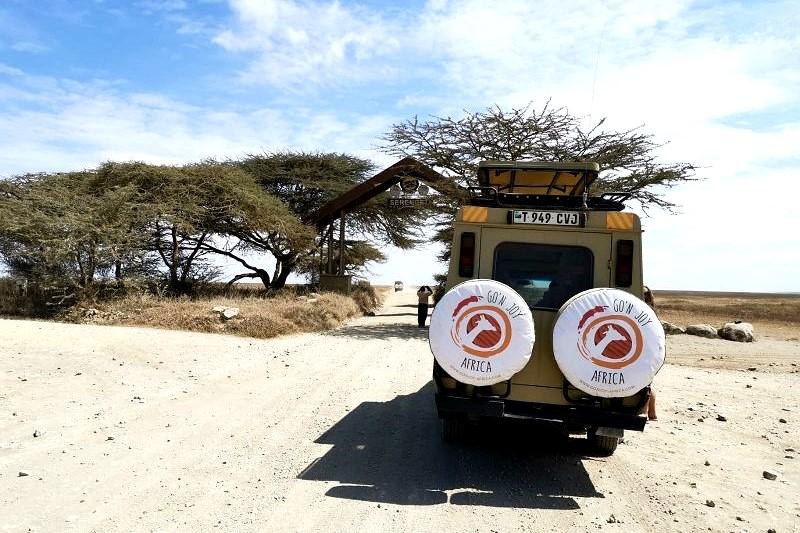 Unsere Jeeps in der Serengeti