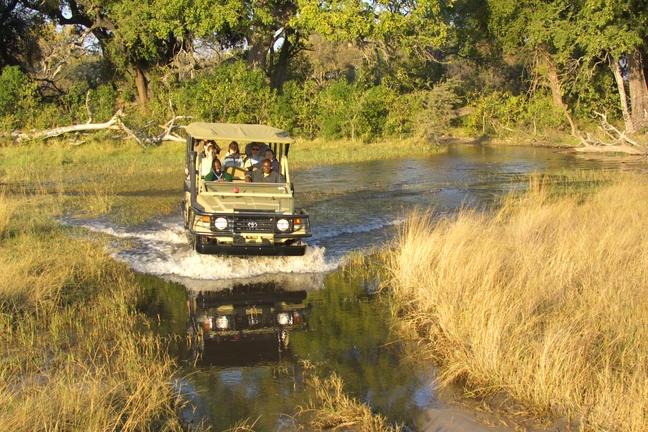 Safari-Jeep in der Khwai Community