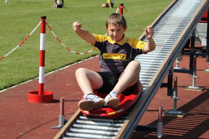 Johann auf der Rollerrutsche