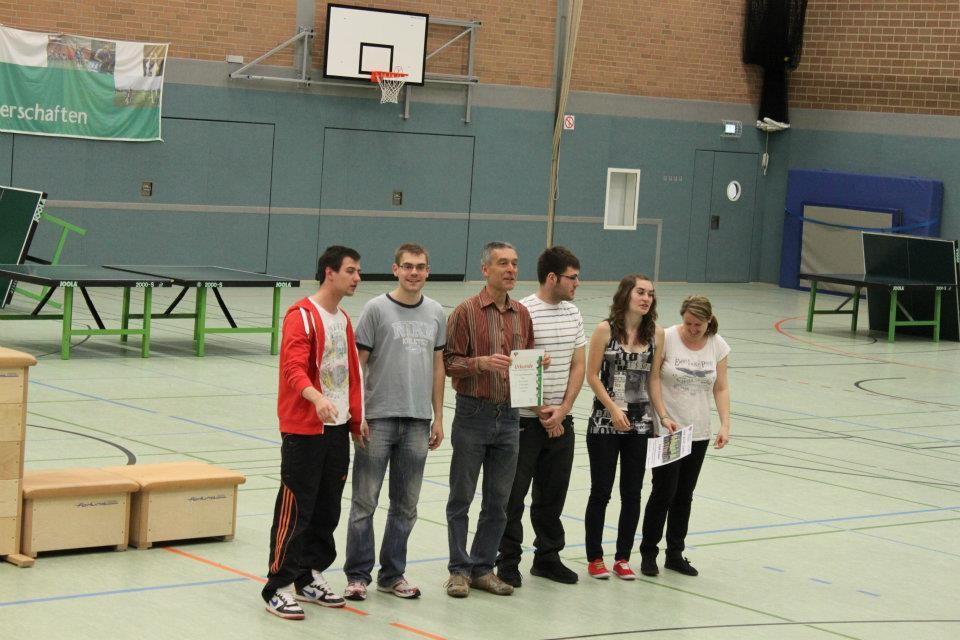 Siegerehrung Herren (8. Platz): Pascal, Jan, Georg, Stefan, Katrin, Shpresa