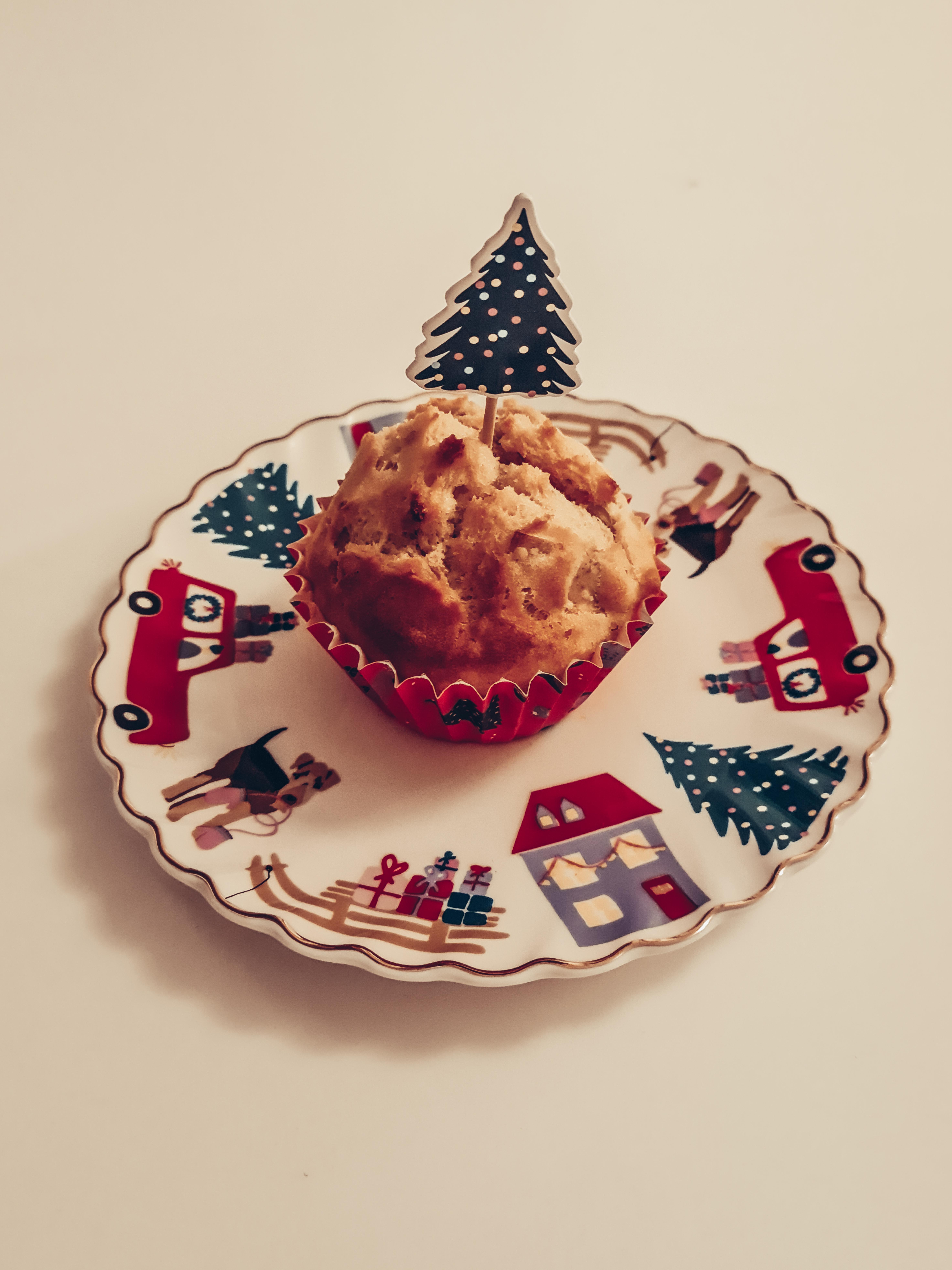 Muffinförmchen, Deko und Teller von Tchibo
