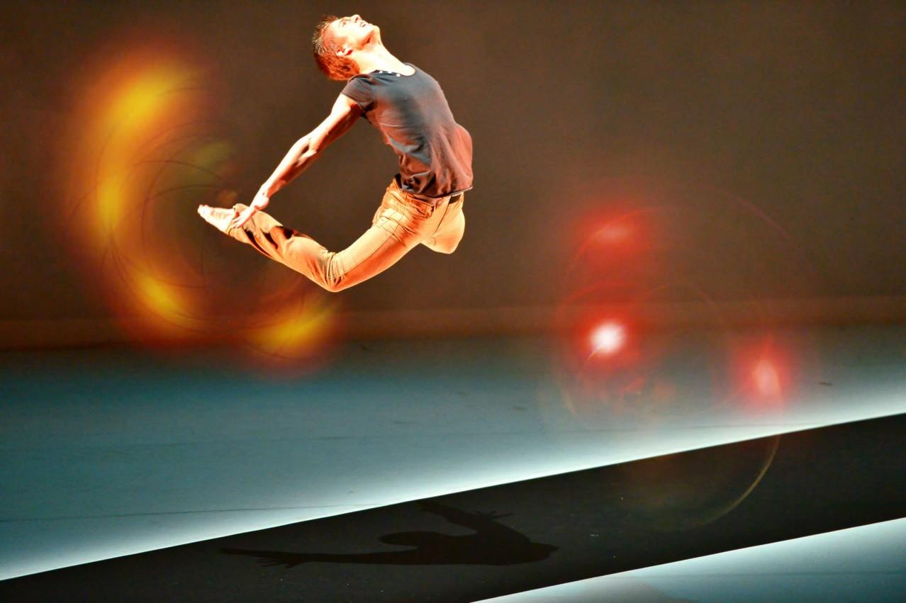 """Ben dans """"Le sable du temps"""" : option danse en tant qu'art - BAC 2013"""
