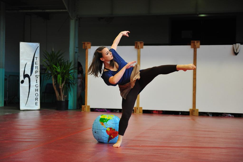 """Claire dans """"Point de non retour"""" : option danse en tant que sport - BAC 2012"""