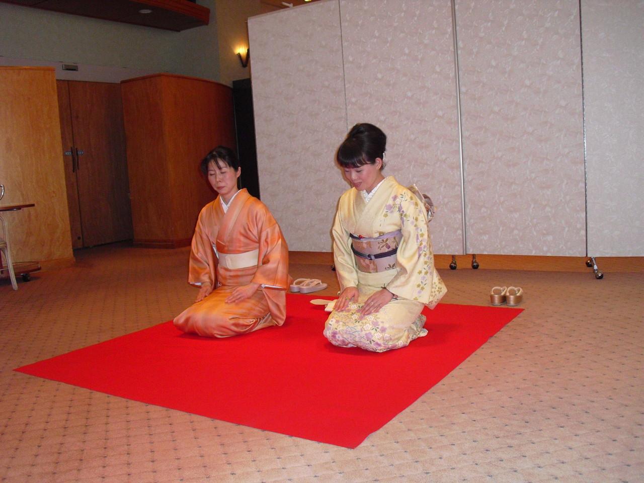 岐阜県下呂市の着物着付け教室「あゆみキモノ学院」はいから和生活。写真館(新年会)