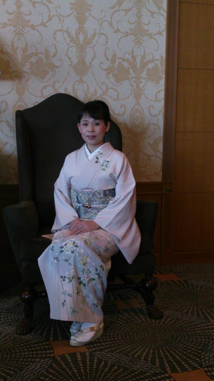 岐阜県下呂市の装道きもの学院分院の着物着付け教室「あゆみキモノ学院」はいから和生活。フォトギャラリー(マリオットアソシアにて新年集い)