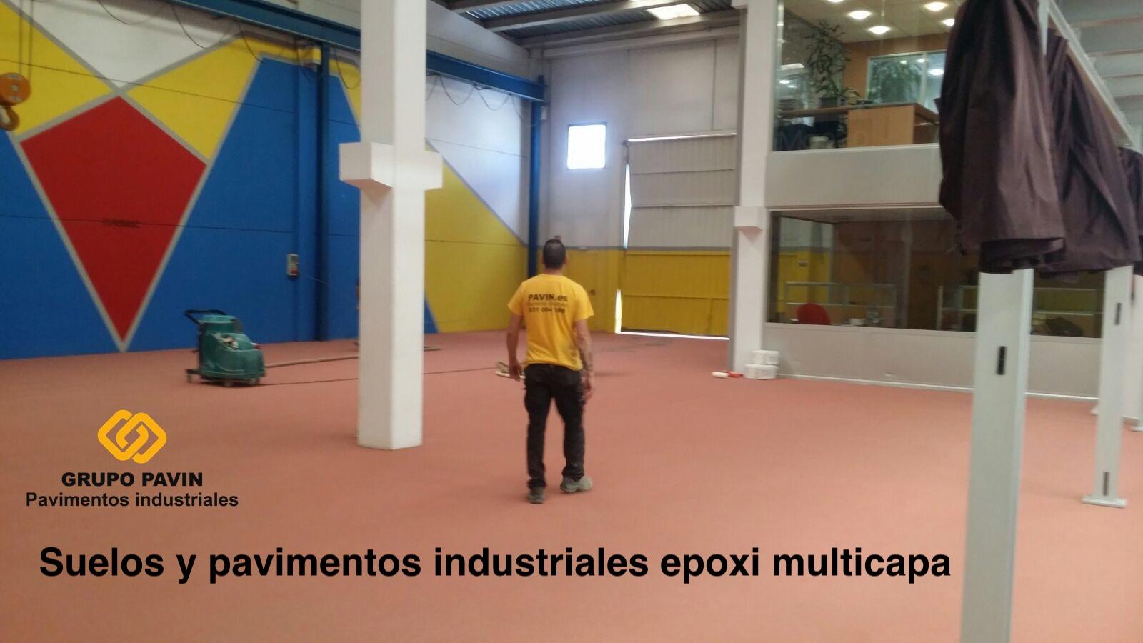 Suelos de resina epoxi multicapa en Barcelona