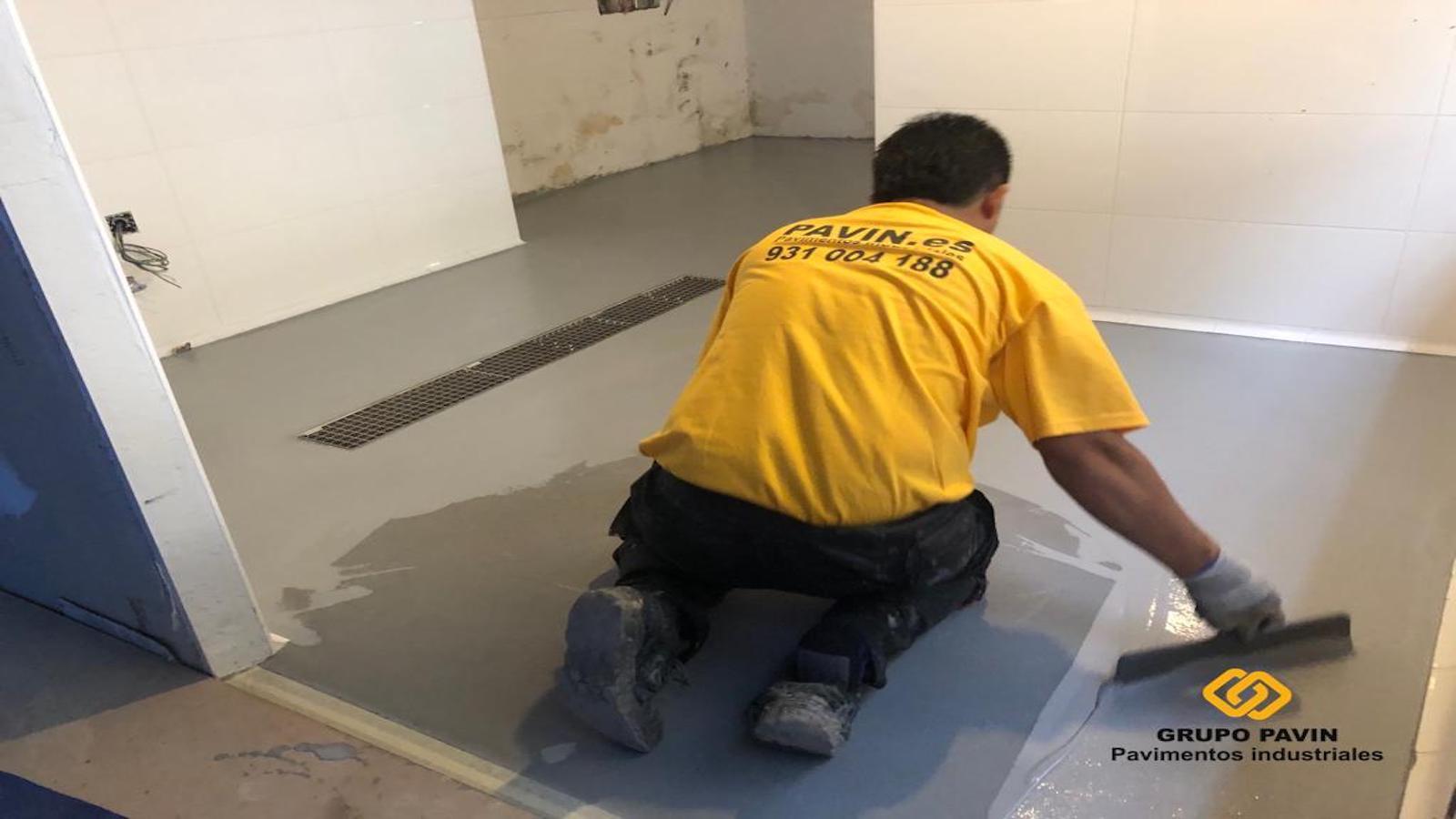 Pavimento antideslizante para la cocina de un  restaurante