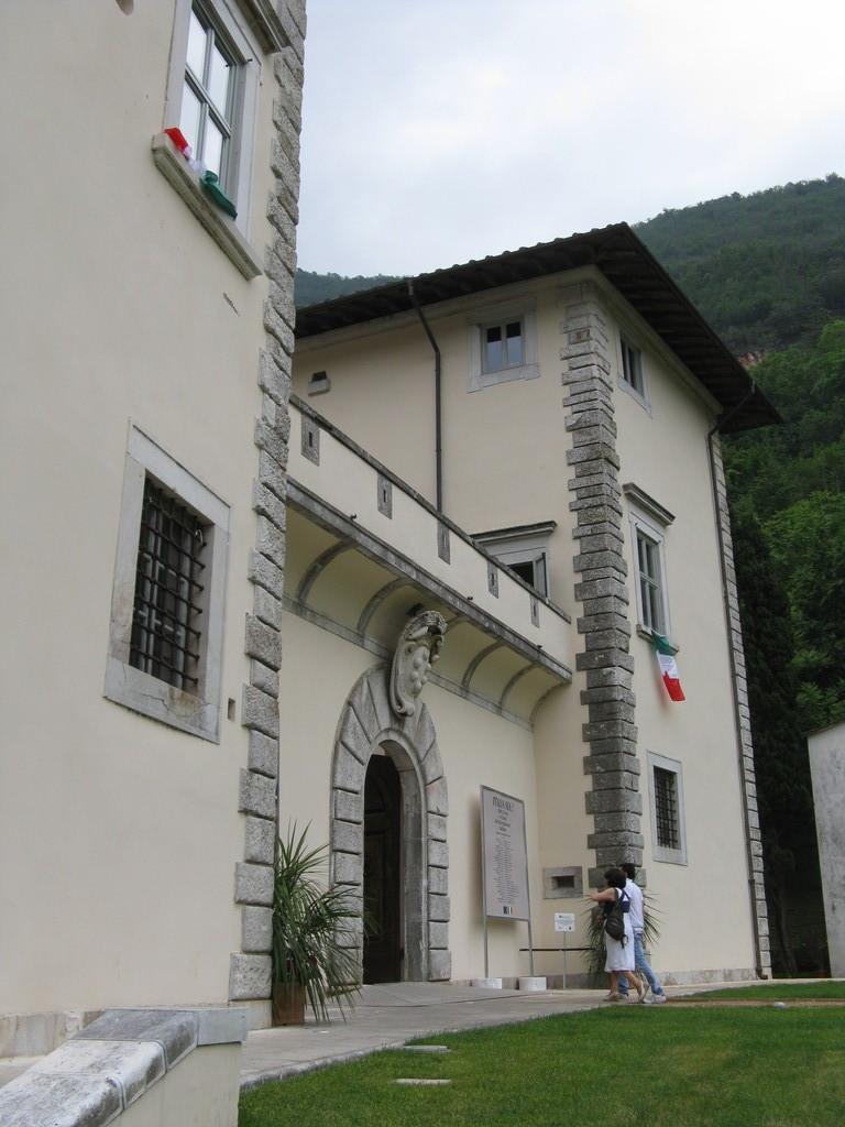 Serravezza (LU) - Palazzo Mediceo