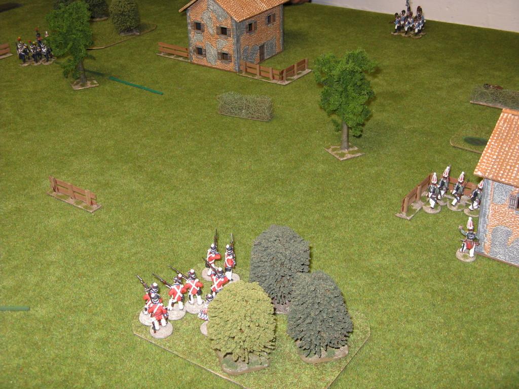I francesi avanzano mentre i bavaresi fanno quadrato intorno alla propria bandiera.
