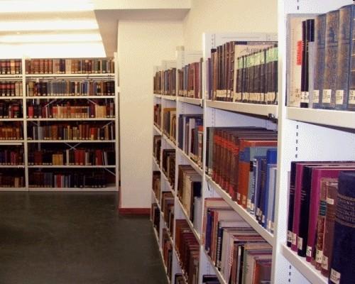 Bücherregal für Archiv, Antike Bücher