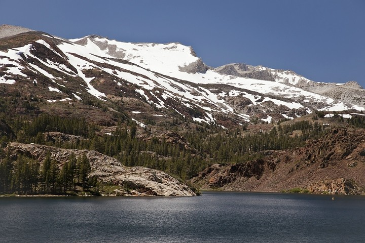 Auf fast 4000m ist der Gipfel des Mount Dana selbst im Hochsommer noch mit Schnee bedeckt.