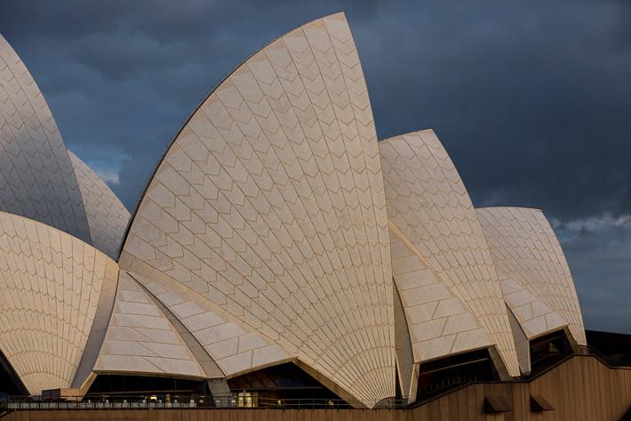Gewitterstimmung über dem Opernhaus.