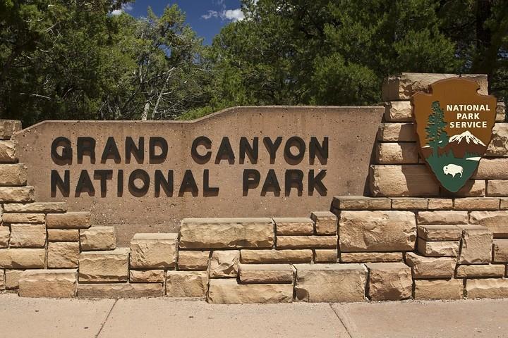 Der Grand Canyon zählt zu den großen Naturwundern unserer Erde und wird jedes Jahr von etwa fünf Millionen Menschen besucht.