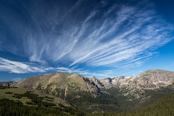 Longs Peak (4.345 m), Stones Peak (3.938 m), Spraque Mountain (3.875 m) und Terra Tomah (3.876 m)