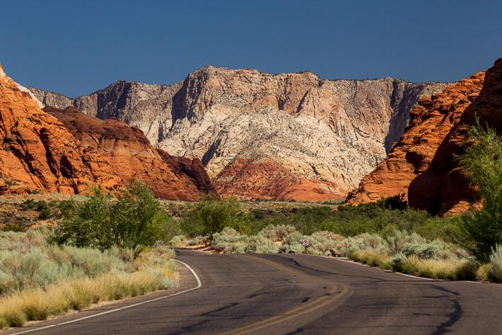 Die Straße durch den Canyon ist durchgehend asphaltiert.