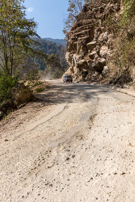 Hauptverkehrsstraße in Bhutan