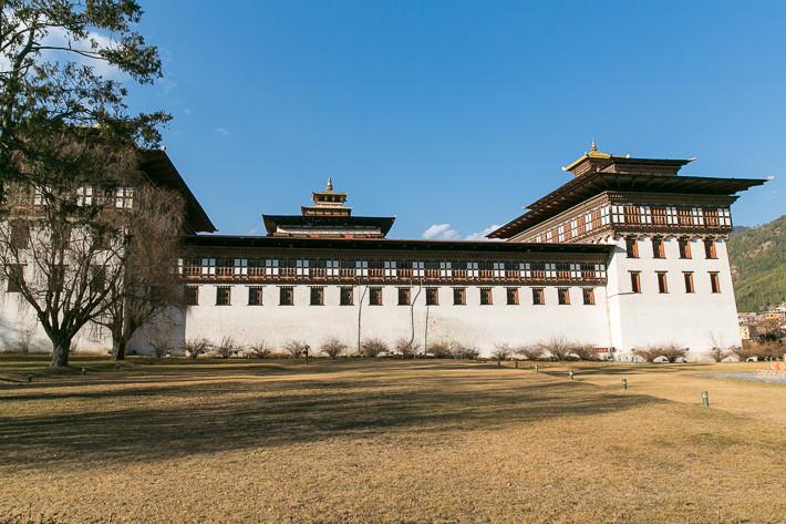 Trashi Chhoe Dzong am Abend