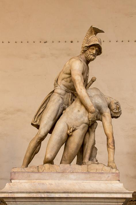 Menelaus stützt den Körper von Patroclus