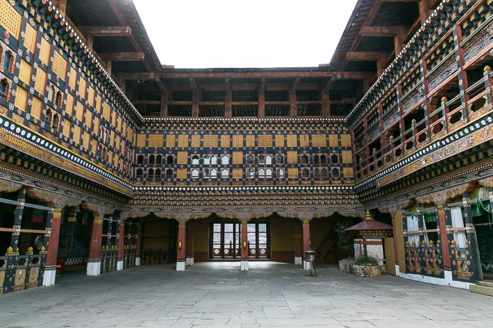 Das Dzong in Paro ist meiner Meinung nach eines der schönsten Gebäude in Bhutan.