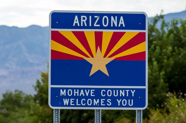 """In Arizona verläuft die Interstate 15 auf einer Länge von 47 Kilometern (""""Veterans Memorial Highway"""")."""