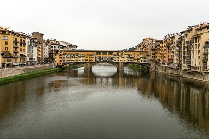 Die Brücke gilt als eine der ältesten Segmentbogenbrücken der Welt.