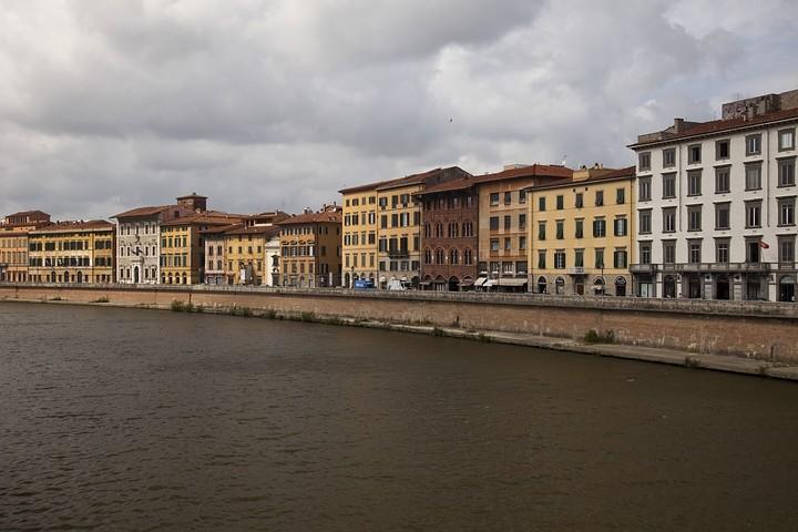 Brücke über den Arno.
