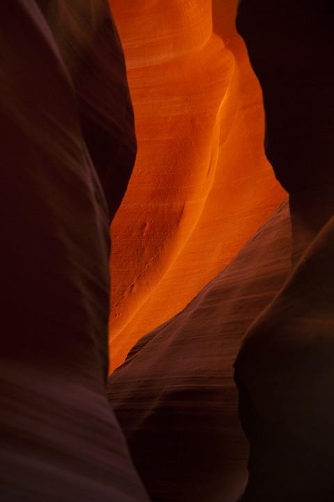 Besonders die verschiedenen Lichteinfälle und die Farben der Steinformationen sehen spektakulär aus!