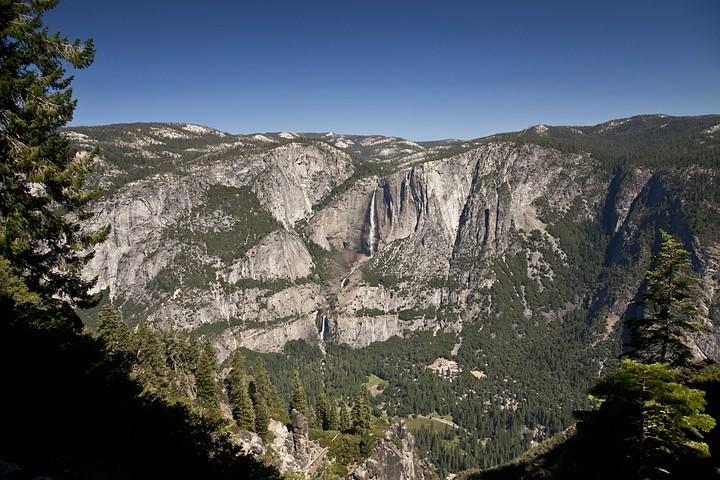 Ausblick auf die Yosemite Falls während unserer Wanderung (Four Mile Trail).
