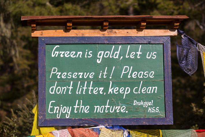 Die Natur ist unser Reichtum, lasst sie uns schützen. Bitte lasse keine Müll liegen. Erfreue Dich an der Natur.