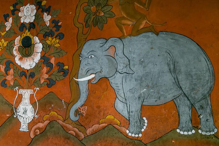 Die Malereien des Dzong beeindrucken durch ihre Schönheit und Vielfältigkeit.