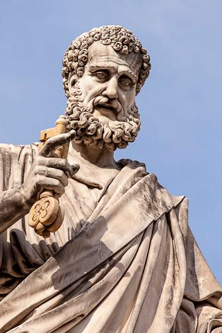 Statue des Apostels Petrus.
