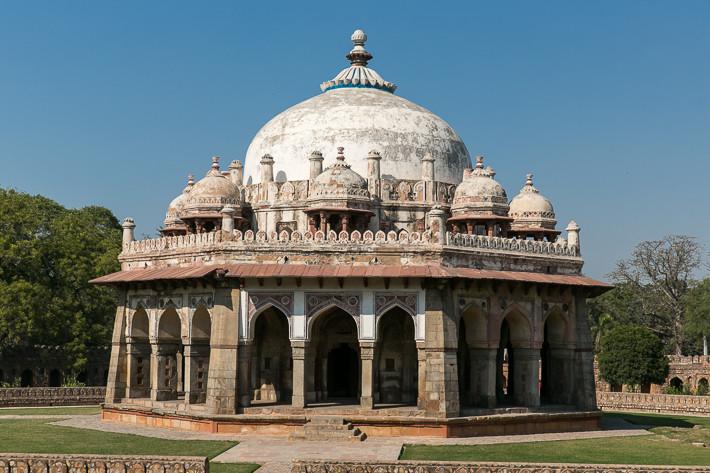Das vor der Mogulzeit erbaute Grabmal diente einst als Vorbild für die großen Grabmäler des Mogulreichs.