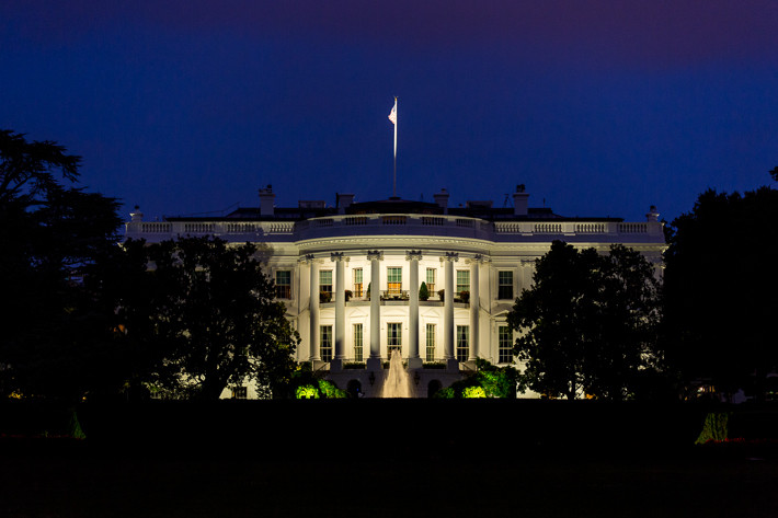 Das Weiße Hausbefindet sich an der Pennsylvania Avenue und hat die Hausnummer 1600.