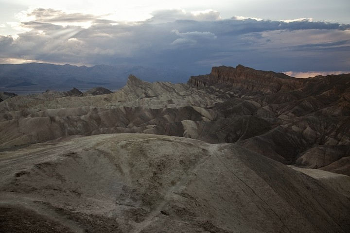 Gewitterstimmung am Zabriskie Point.