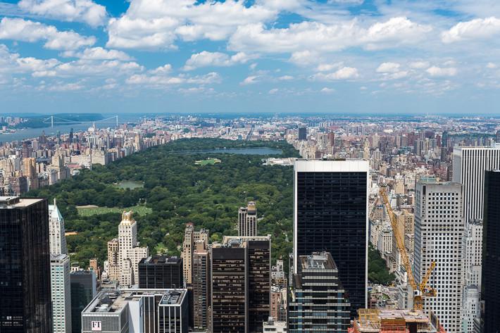 Blick vom Rockefeller Center auf Midtown und Lower Manhattan.